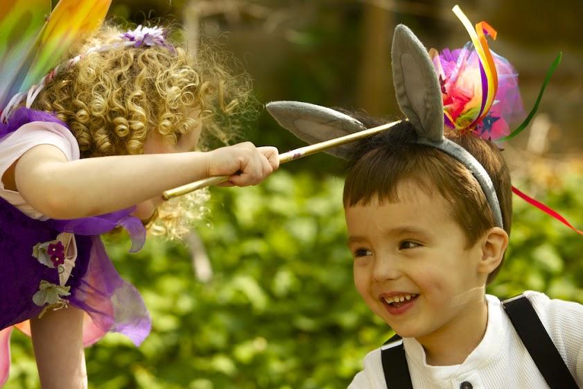 Titania spreading some fairy magic